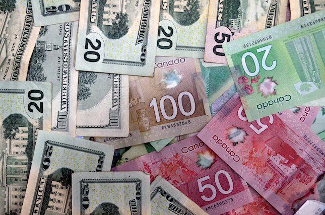 FOREX_usdcad-canadian-dollar-quiet-investors-eye0307_FXPIG