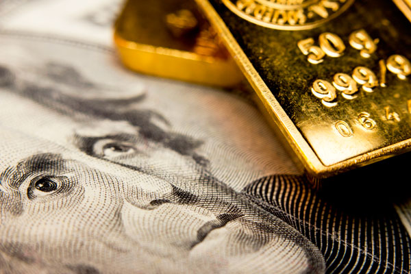 FOREX_Gold-slides-in-wake-of-dollar-supportive-comments-by-Trump_FXPIG