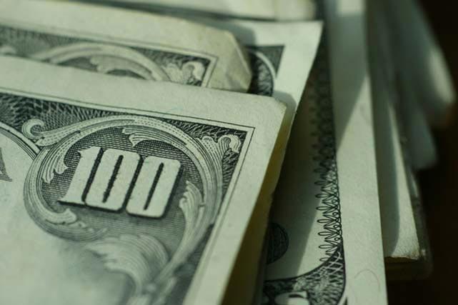 FOREX_Dollar-rises_FXPIG