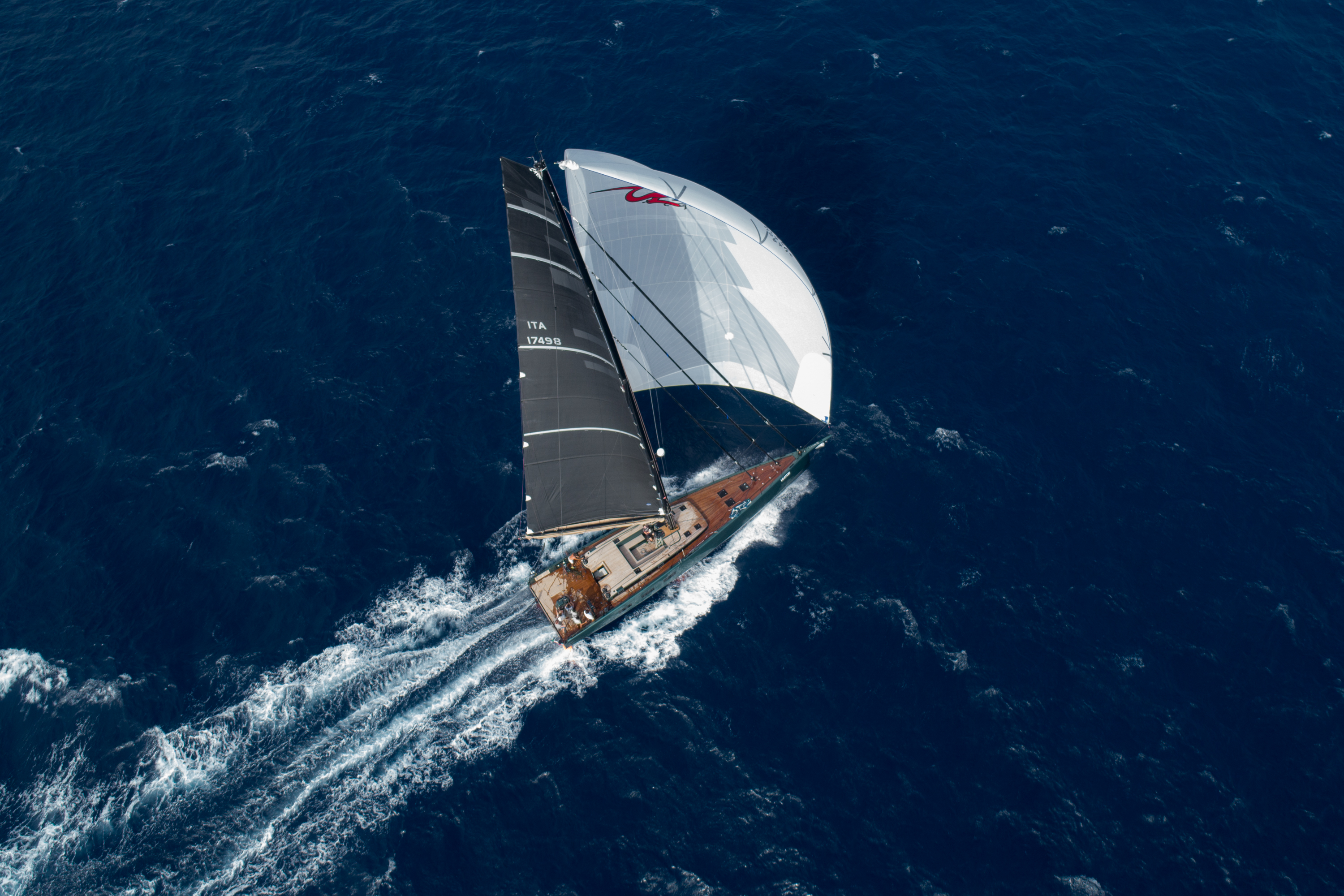 Sailing photography by Maxime Horlaville - MxHpics