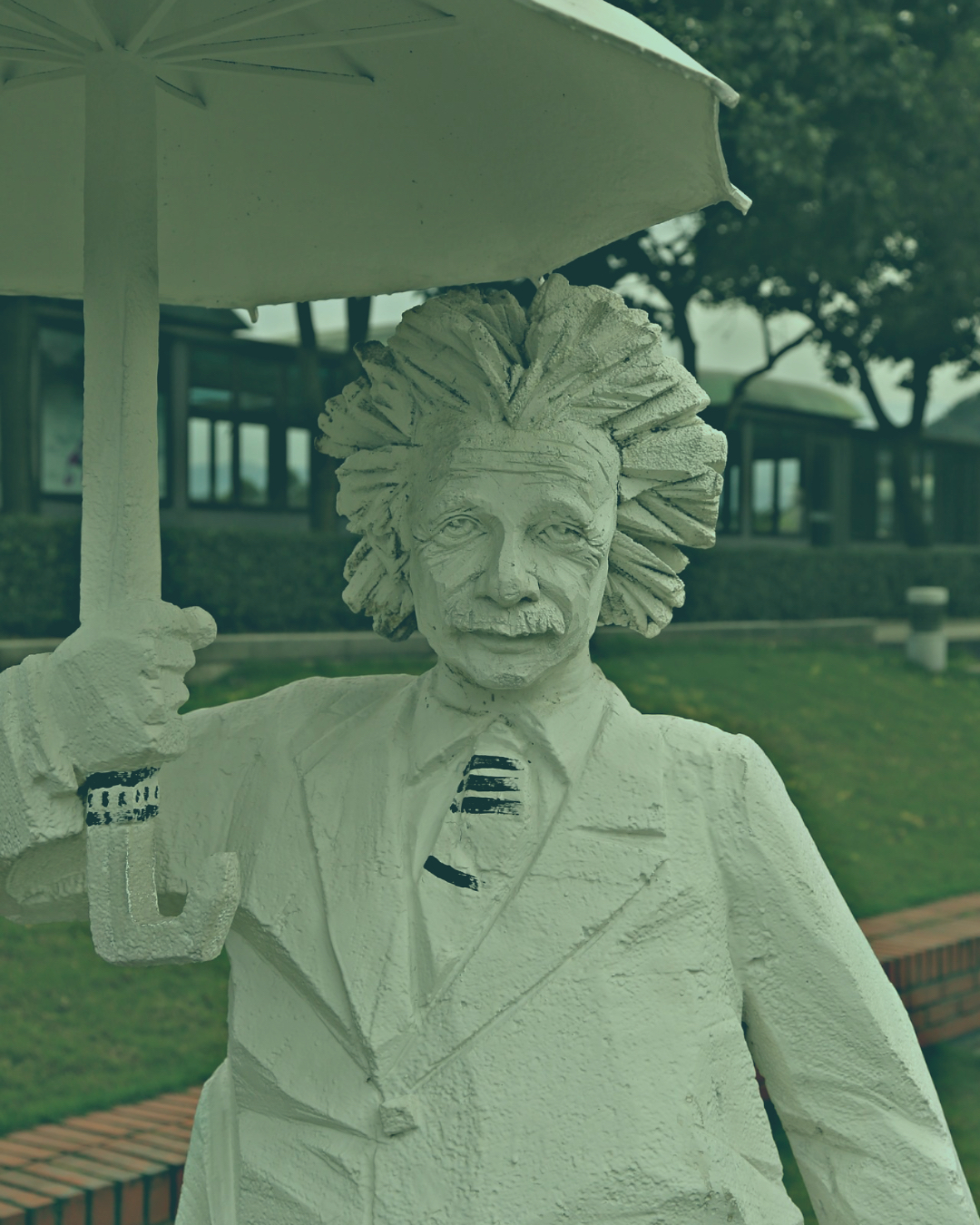 Statue of Einstein