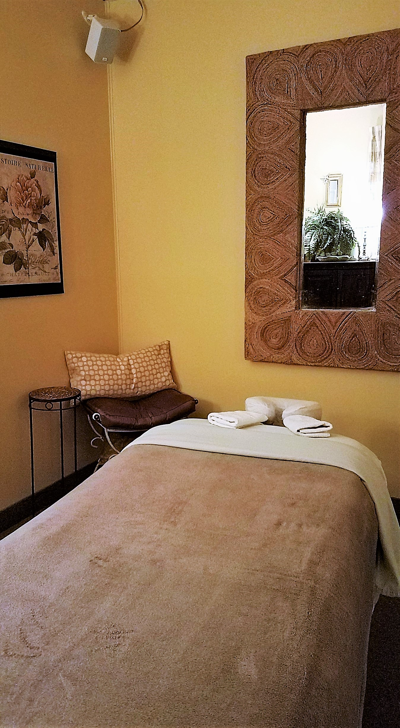 Wright Touch Massage massage room