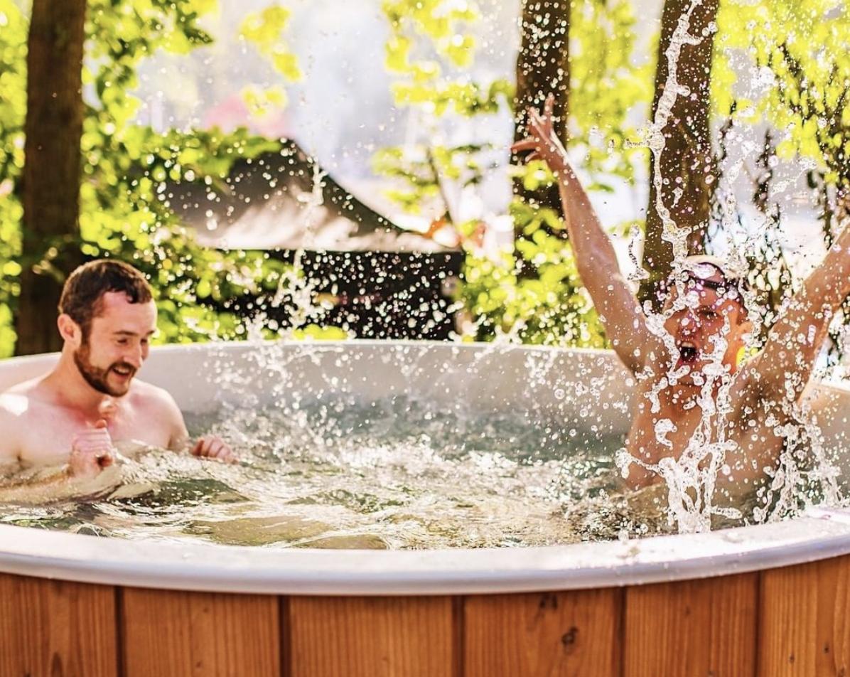 Wat te doen deze zomer? De TubClub zorgt voor een stukje paradijs in je achtertuin