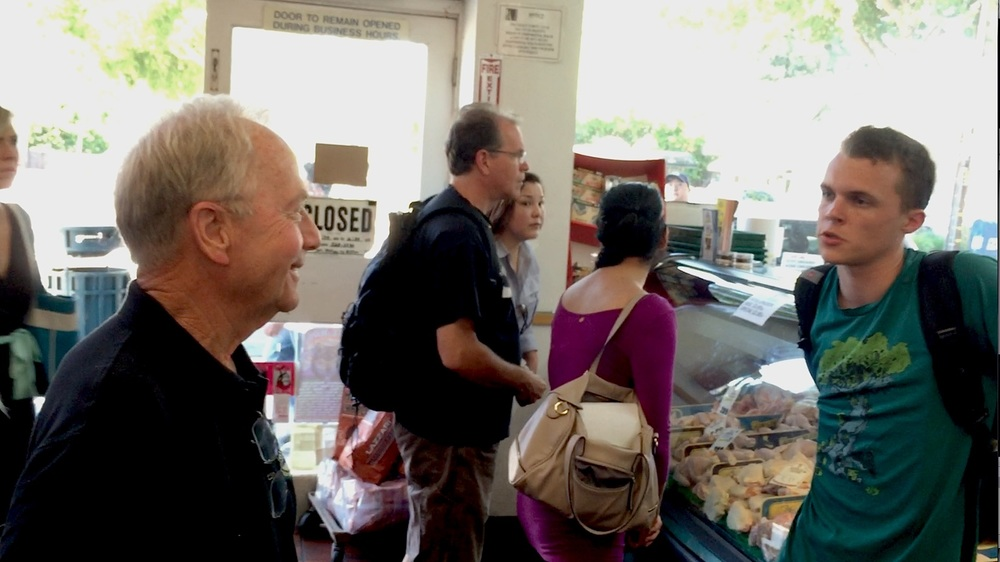 DxE's Brian Burns confronts Willis in butcher shop.