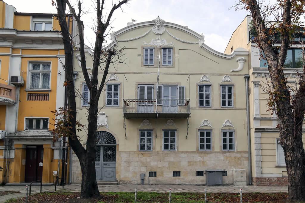 Жилищна сграда