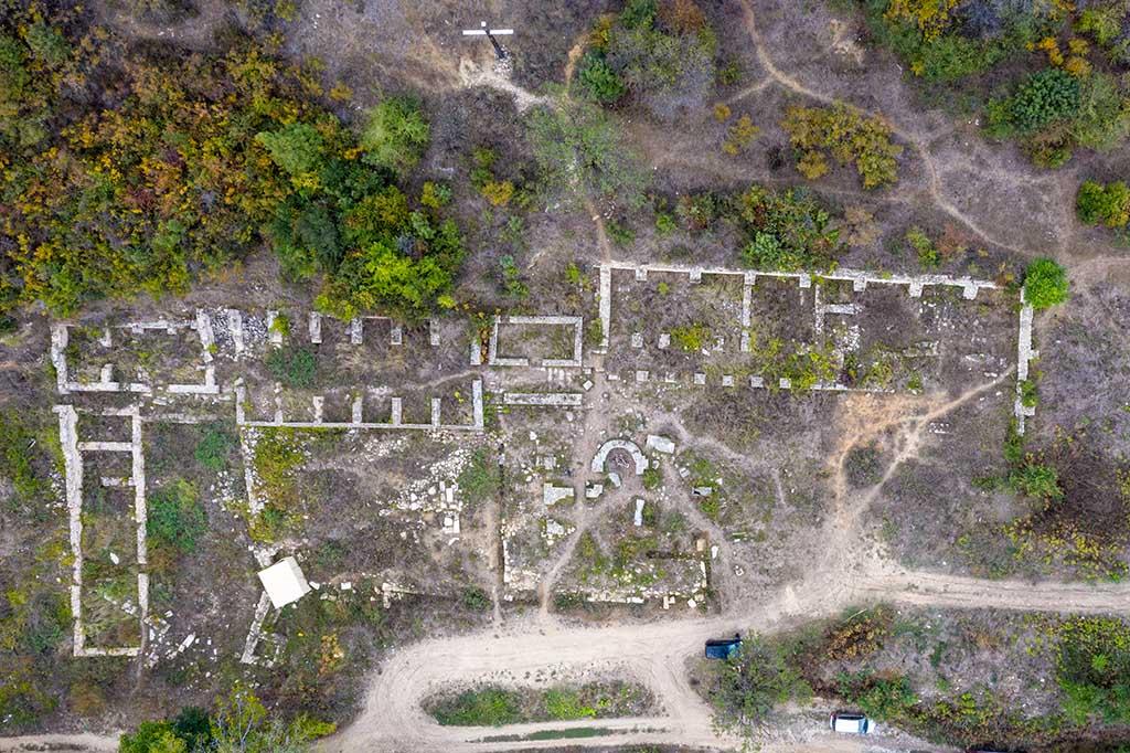Български Средновековен манастир