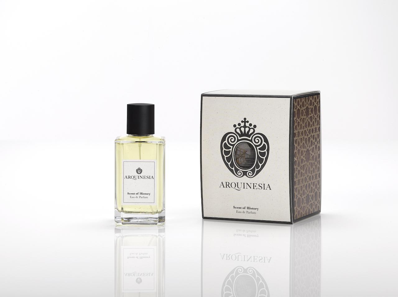 Das Eau de Parfum ist ein natürlicher Duft, der aus ätherischen Ölen mit den besten, sorgfältig ausgewählten organischen Rohstoffen hergestellt wird. Duft: Scent of History.