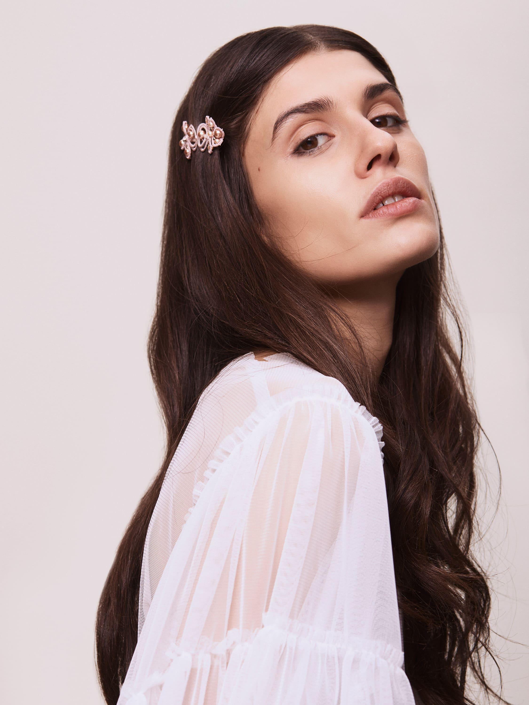 Einzigartige Couture-Haarspange mit Swarovski-Perlen.