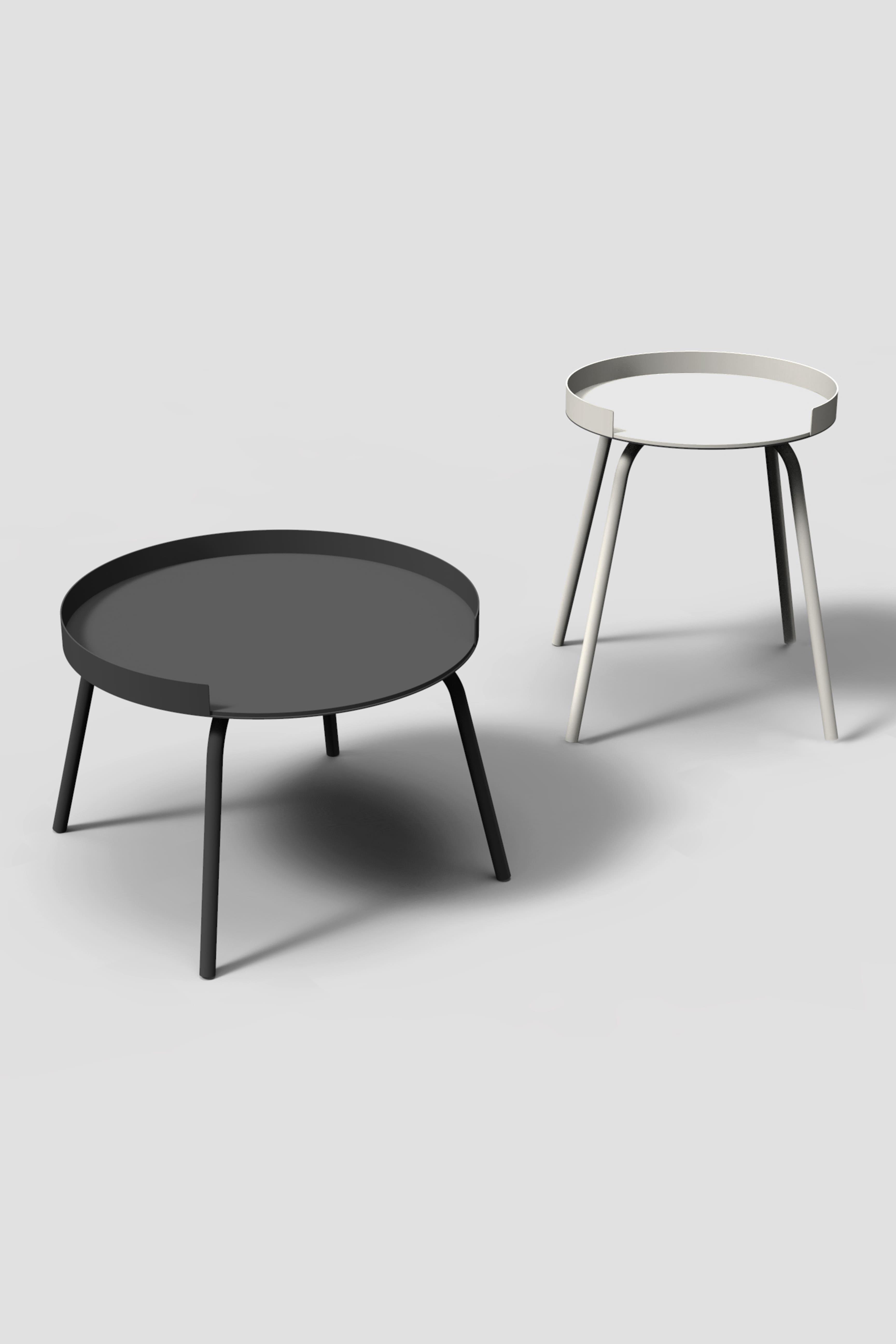 RAG ist ein minimalistischer Beistelltisch aus Metall, welcher in zwei Höhen angeboten wird.