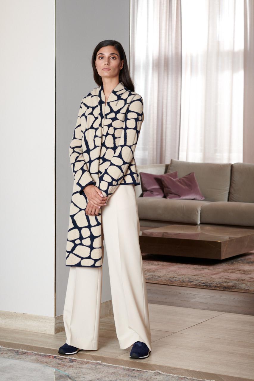 Cashmere Plaid Amber. Material: 100% Cashmere. Doubleface. Dresscode: Semiformal, Business casual.