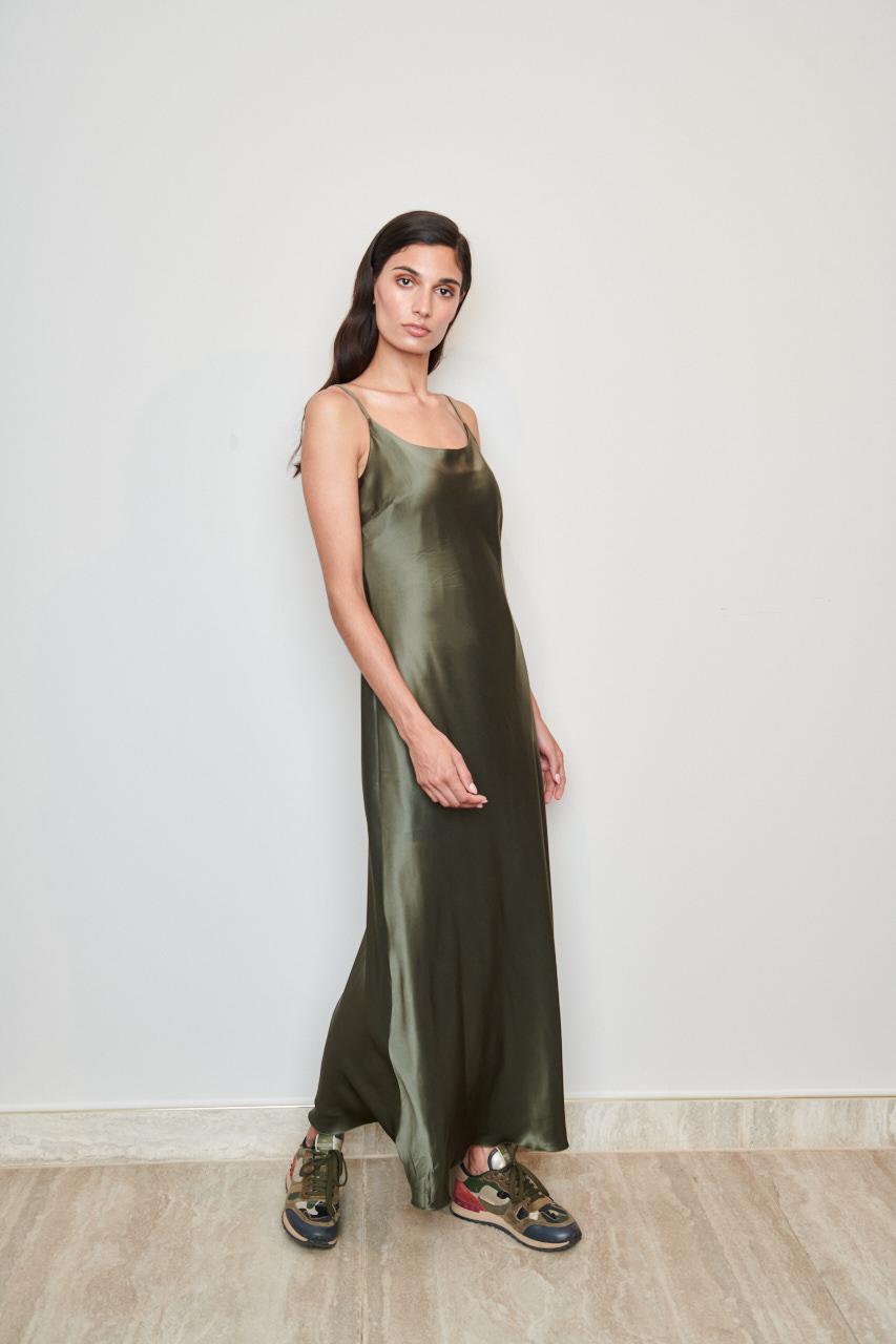 Seidenkleid Angelina. Material: 100% Seide. Farbe: olive
