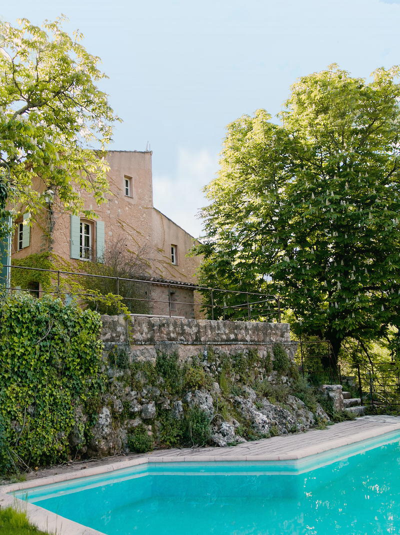https://book.bnbkeys.com/fr/rentals/225653-villa-terrubi-petite-bastide-authentique-nichee-dans-les-vignes-a-le-val?currency=EUR