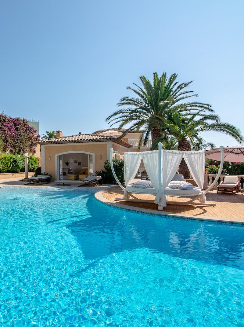 https://book.bnbkeys.com/fr/rentals/172473-villa-astride-magnifique-villa-avec-vue-mer-panoramique-a-californie?currency=EUR