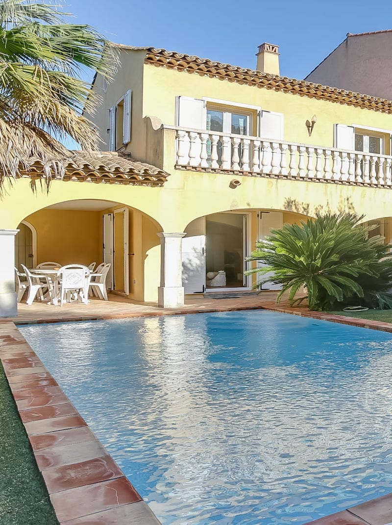 https://book.bnbkeys.com/fr/rentals/169986-villa-ilios-magnifique-villa-calme-avec-piscine-et-jardin-a-sainte-maxime-a?currency=EUR&guests=1