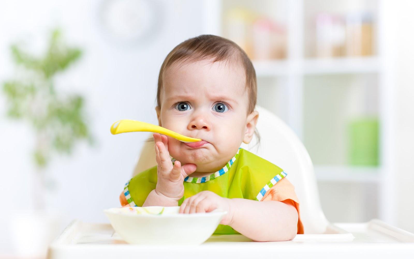 Biếng ăn sinh lý xảy ra trong các giai đoạn trẻ phát triển