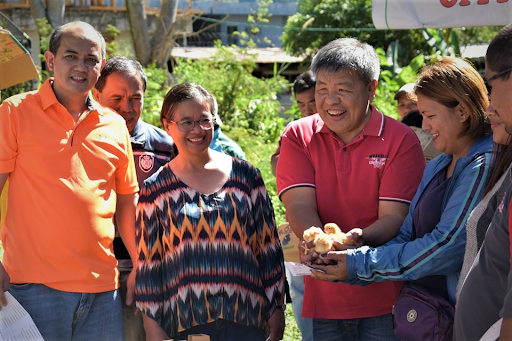 Villagers in Mt. Province Pursue Survival Gardening with Chicken Amidst COVID-19 Pandemic