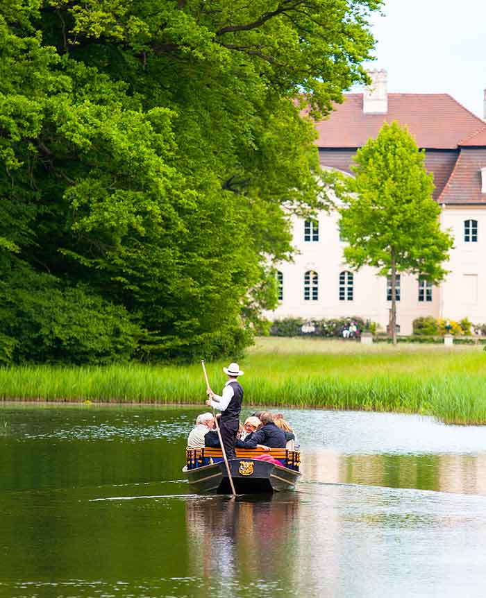 Travel group enjoys gondola tour in the Spreewald