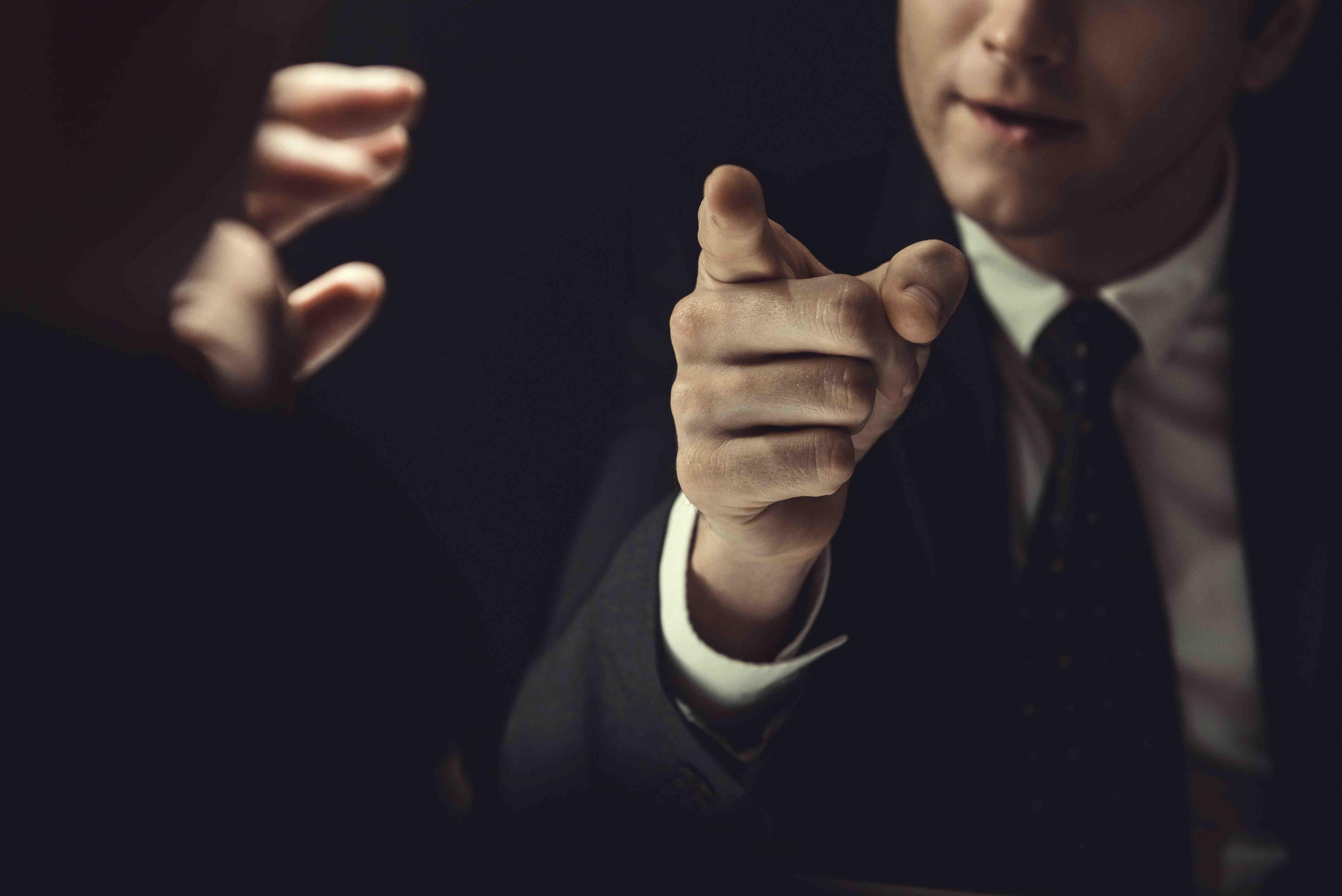 Vorwürfe und Schuldzuweisungen im alltäglichen Dialog?