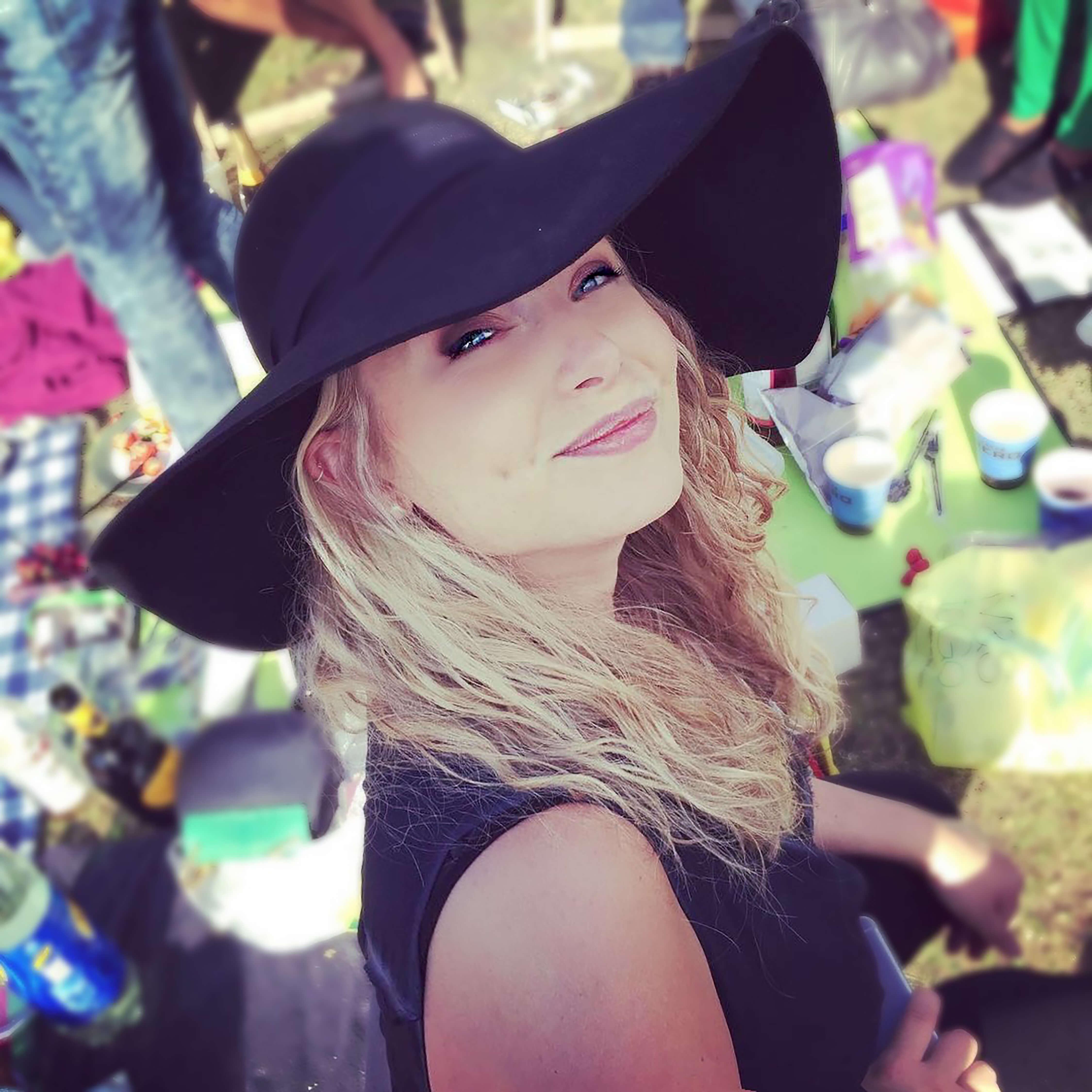 Chloe Johns