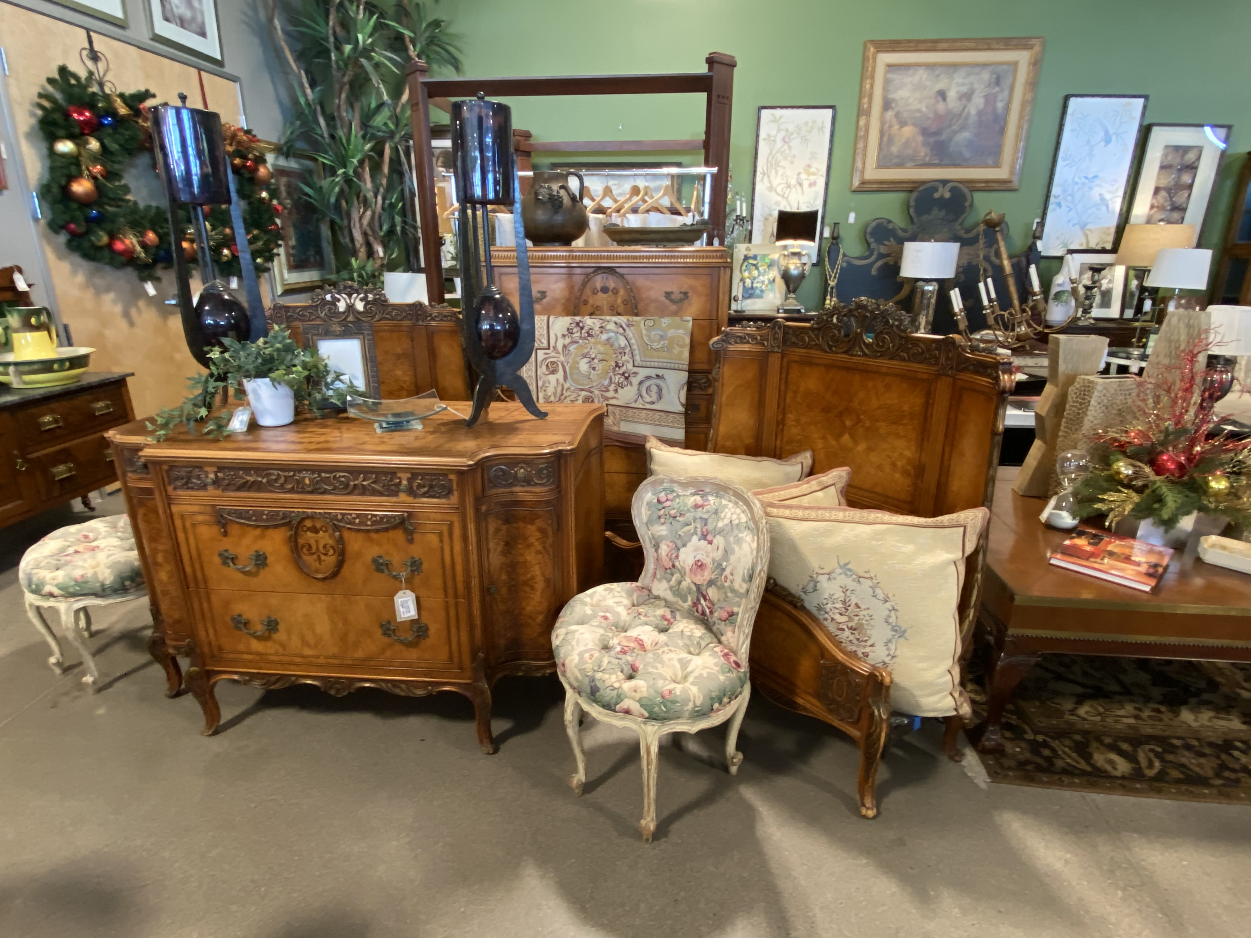 Antique Twin Bedroom Set From The Shirley Temple Estate 5 Piece 4 899 00 Usd