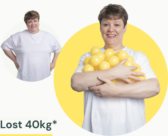 A woman in a white t-shirt before and after losing 40kg of weight.