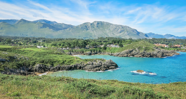 Playa de Troenzo en Llanes, Asturias