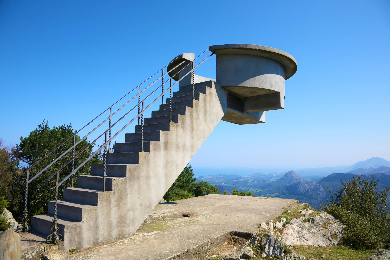 Escalera y plataforma del Mirador del Fito, Caravia, Asturias