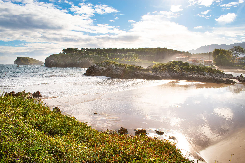Detalle de Playa de Palombina en Llanes, Asturias