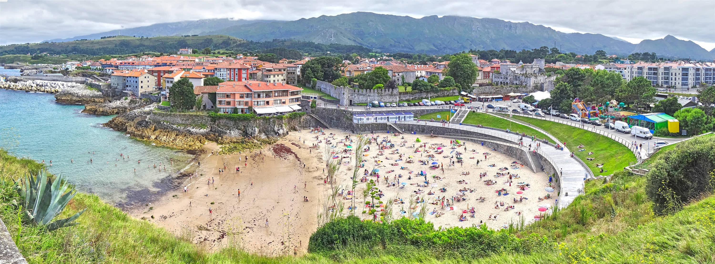 Playa de Sablon con marea baja en Llanes, Asturias