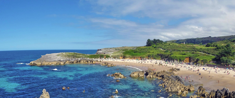 Panoramica de la playa de Toro en Llanes, Asturias