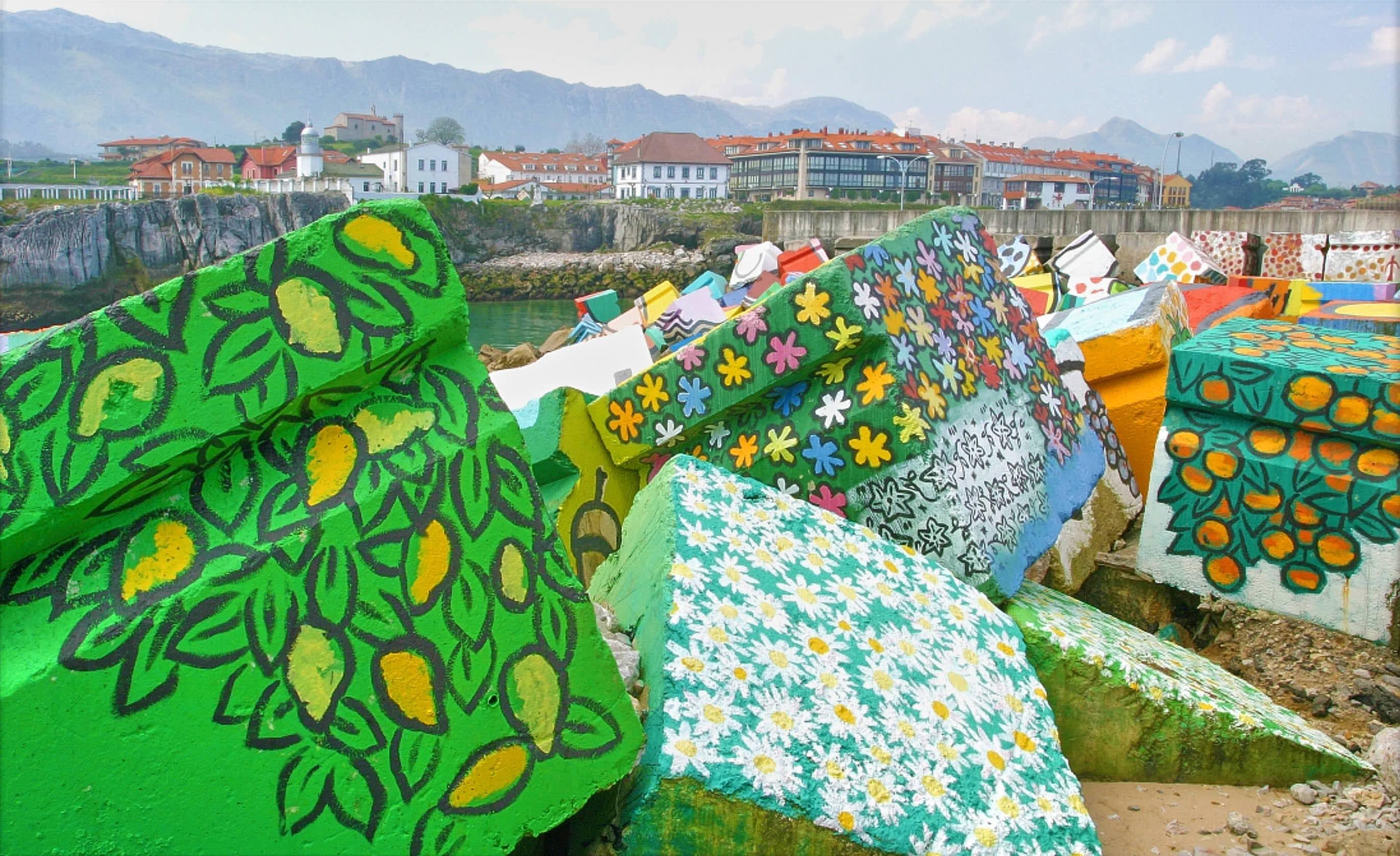 Cubos de la Memoria en la ciudad de Llanes, Asturias