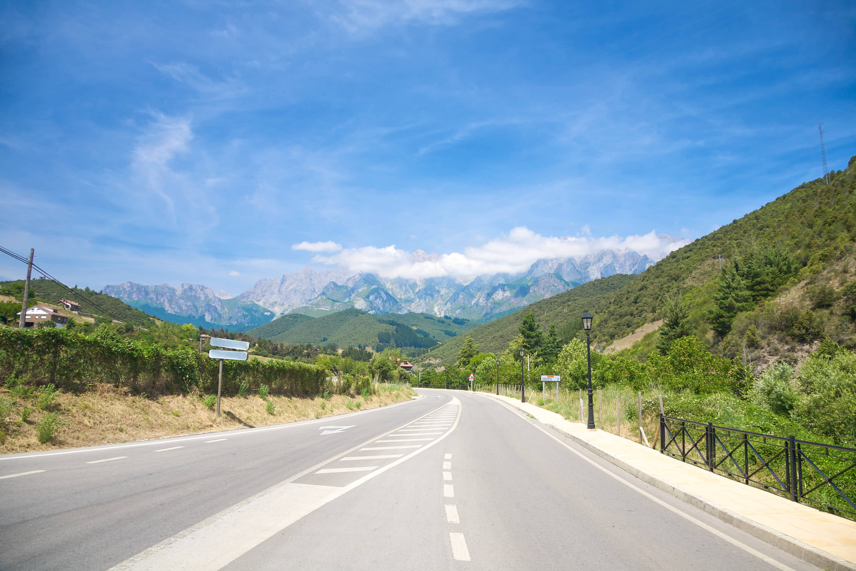 Carretera hacia Fuente De, en los Picos de Europa de Cantabria