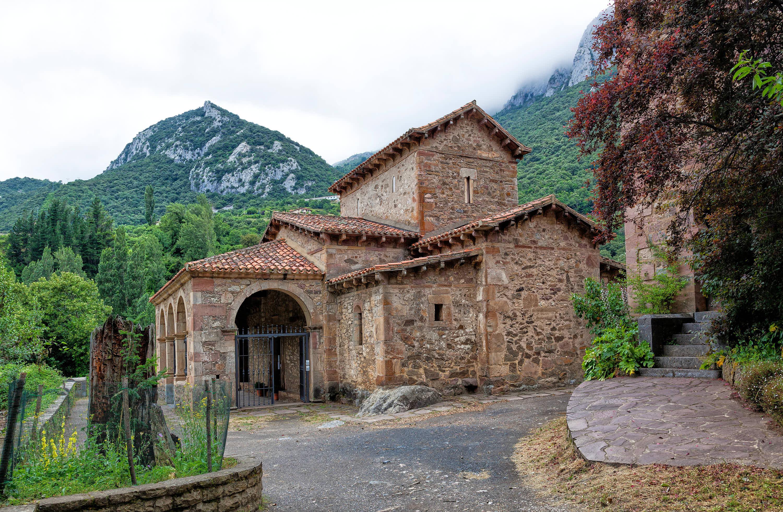 Iglesia de Santa Maria de Lebeña en Cantabria