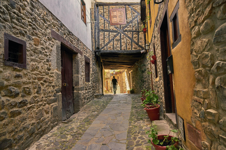 Calle antigua en la villa de Potes, en Cantabria