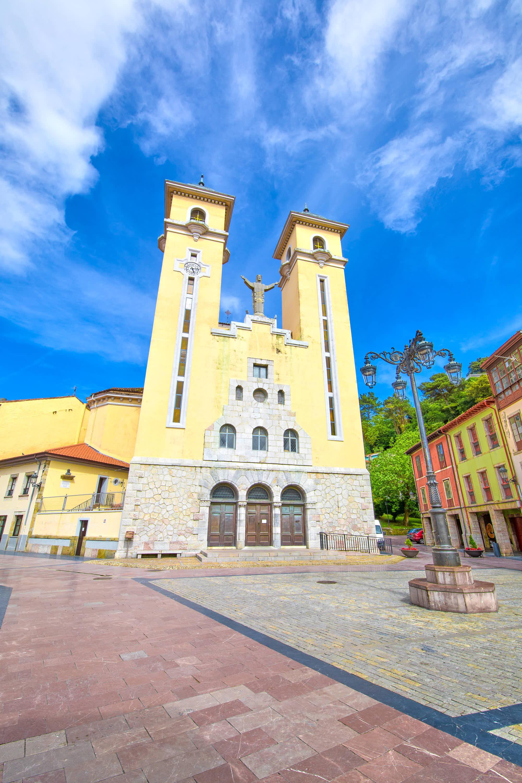 Iglesia de Santa Maria Magdalena en Ribadesella, en Asturias