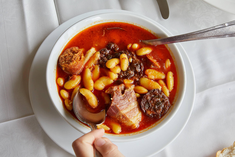 Fabada asturiana del restaurante Eutimio en Lastres, Colunga, Asturias