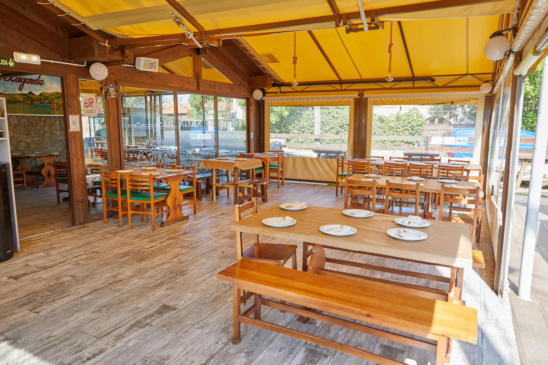 Comedor en el restaurante La Xagarda en Poo, Llanes, Asturias