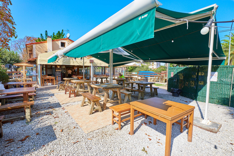 Jardin del restaurante La Xagarda en Poo, Llanes, Asturias