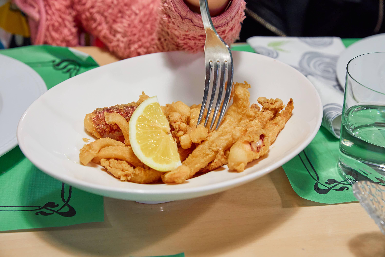 Calamares fritos restaurante Los Arcos en Cangas de Onis, Asturias