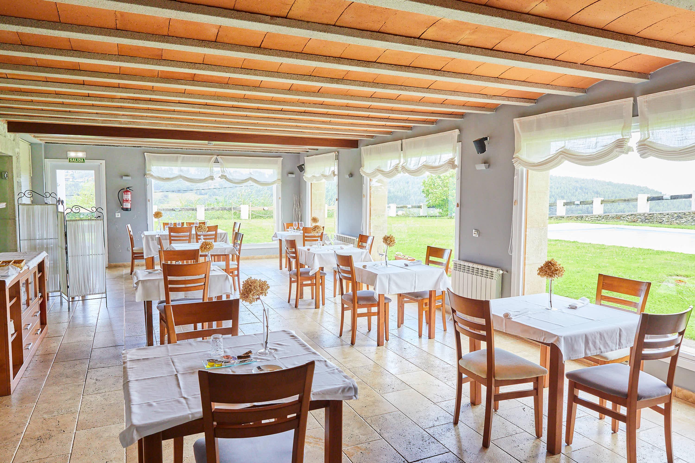 Comedor inferior del restaurante Sibariz en Ribadesella, Asturias