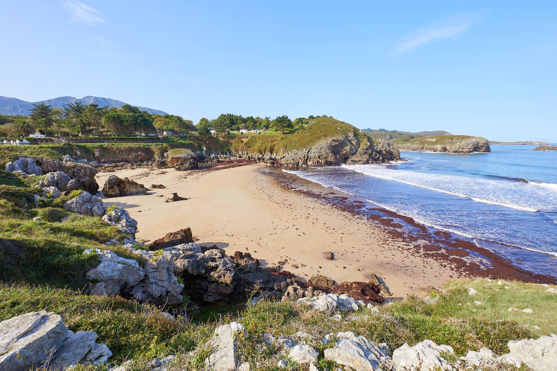 Playa de Troenzo en Celorio, Llanes, Asturias