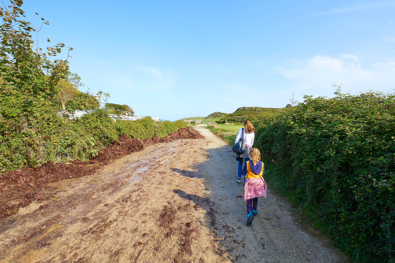 Camino hacia Playa de Troenzo en Celorio, Llanes, Asturias
