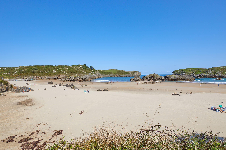 Panoramica de la Playa de Borizo, en Celorio, Llanes, Asturias