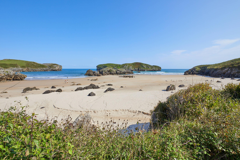 Playa de Borizo desde atras, en Celorio, Llanes, Asturias