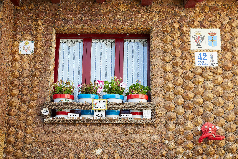 Ventana la Casa de las Conchas en Tazones, Villaviciosa, Asturias