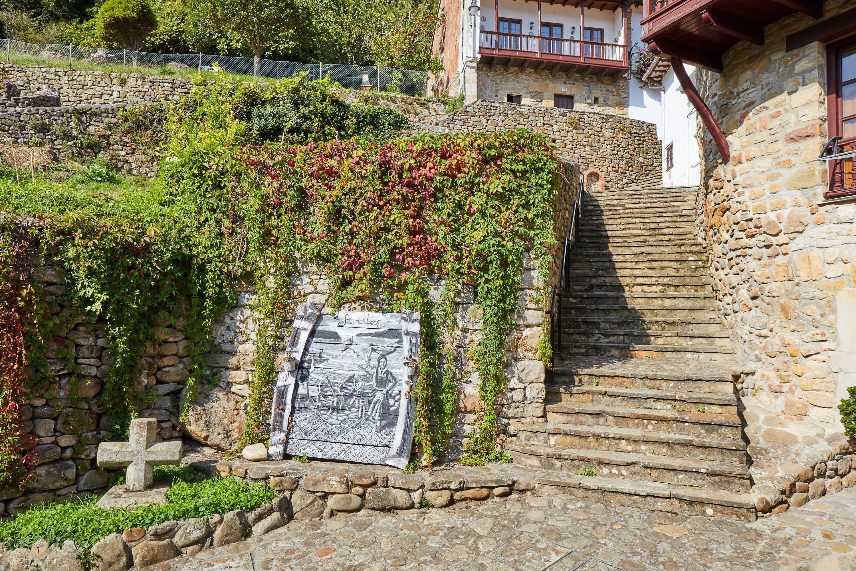Calle antigua en Tazones, Villaviciosa, Asturias