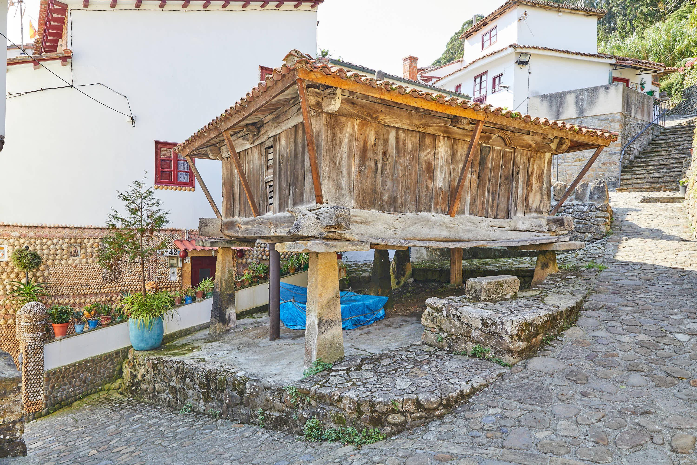 Horreo en Tazones, Villaviciosa, Asturias