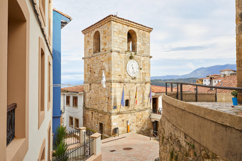 Torre del Reloj en Lastres, Colunga, Asturias