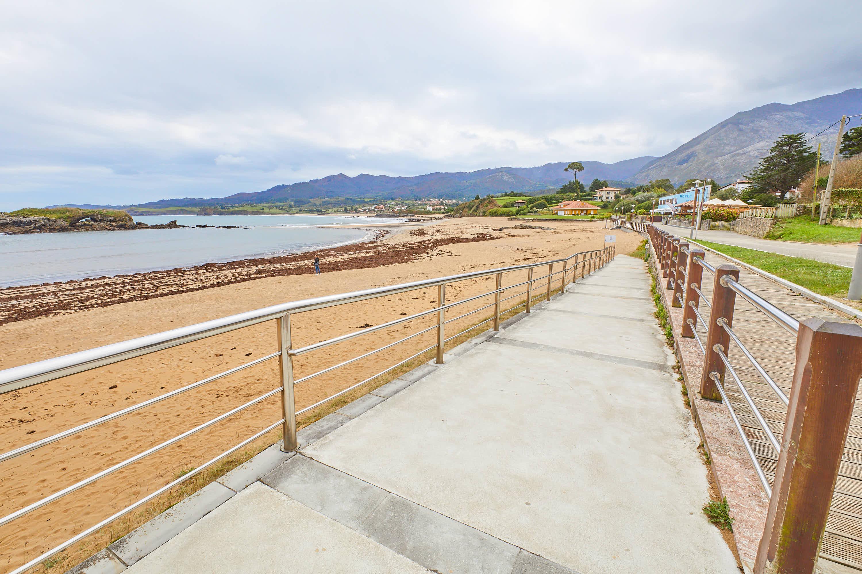 Rampa en la Playa de La Isla, Colunga, Asturias
