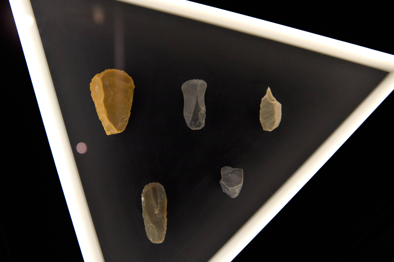 Piedras talladas del Centro de Arte Rupestre Tito Bustillo en Ribadesella, Asturias